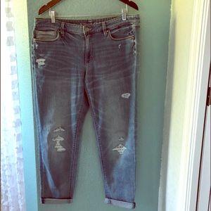 🆕NWT WHBM Distressed Girlfriend Crop Jeans